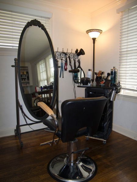 Image of Leslie Colleen Salon Hair Station in Orlando, FL